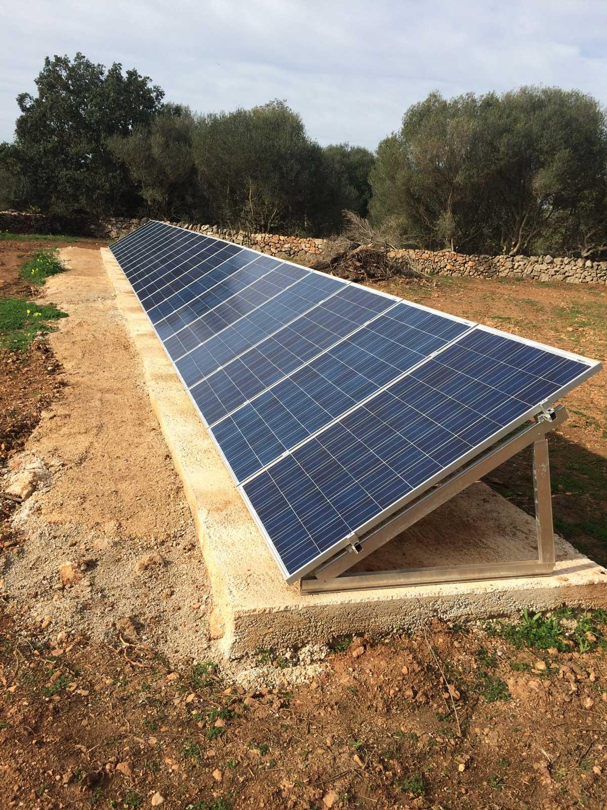 Instalaci n placas solares en el castell de santueri for Baterias placas solares